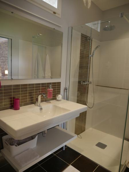 chambres-dhotes-gard-lavabo